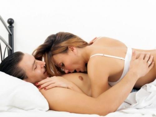 Quan hệ khi có kinh có thai không?