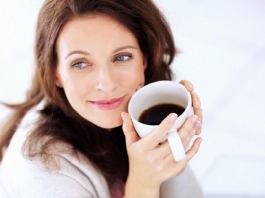 Uống cà phê có làm ngưng kinh nguyệt không?